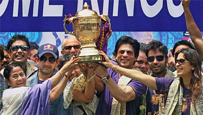 Shahrukh khan has become very popular in kolkata because of KKR