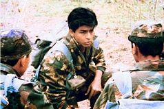 Shahrukh Khan in Fauji, when he still cared about things other than collections