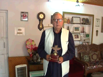 GN Khayal who returned his Sahitya Academy award in protest of Dadri episode