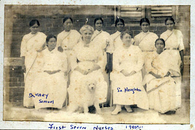 Ida Scudder with First-Seven-Nurses of CMC Vellore in 1905_opt
