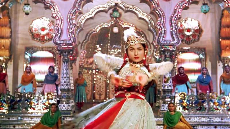 Famous song 'Jab pyar kiya to darna kya' from Mughal-e-Azam - Mythical India