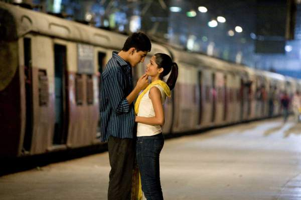 Scene from Slumdog Millionaire shot at CST - Mythical India