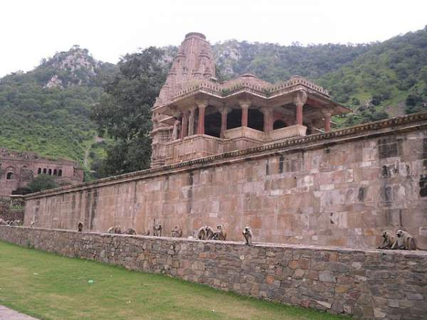 Gopinath temple, abode of baba Balnath - Mythical India