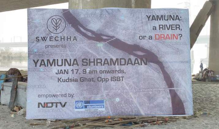 Yamuna Shramdaan organised by Sweccha - Mythical India