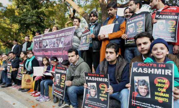 Kashmiri Pundits protesting for their cause - Mythical India