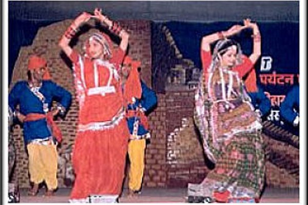 Jhumeri_folk dance from bihar_indian culture