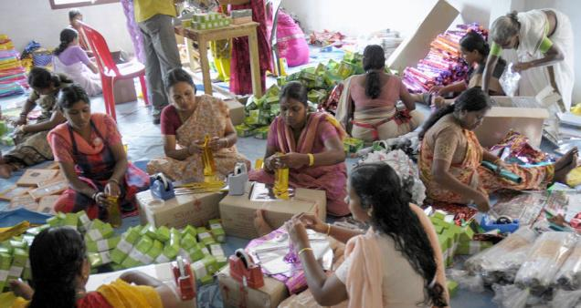Kudumbashree women engaged in packaging organic products - Mythical India