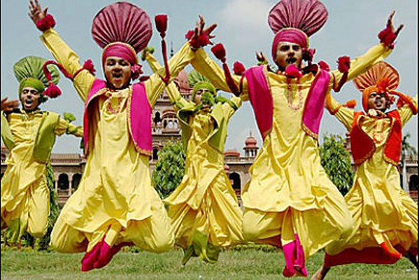 bhangra_ folk dances from Punjab
