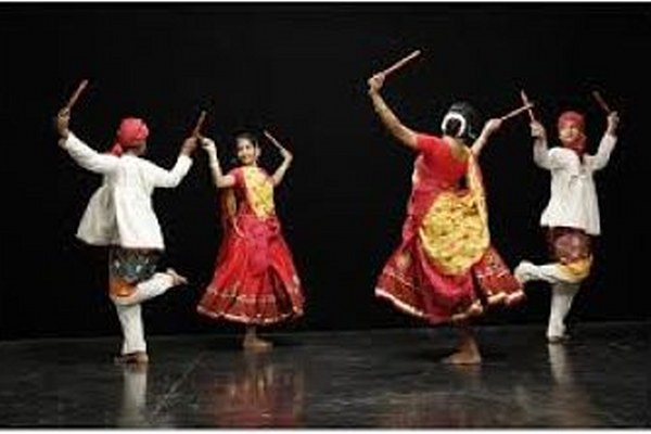 5 popular folk dances from Gujarat - MYTHICAL INDIA