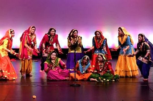 Giddha_folk dances from Punjab