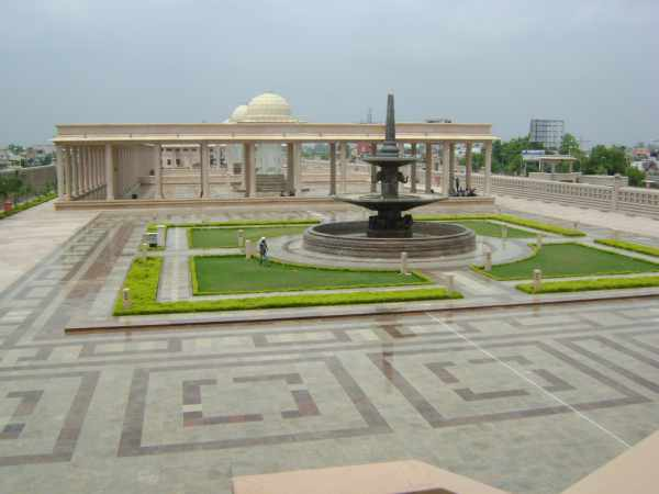 Bauddha Vihar, Shanti upwan on Kanpur-Rae bareli road, Lucknow - Mythical India
