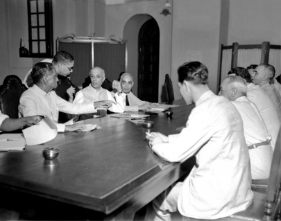 Jawaharlal Nehru with UN members during the signing of Karachi Agreement in 1949 - Mythical India