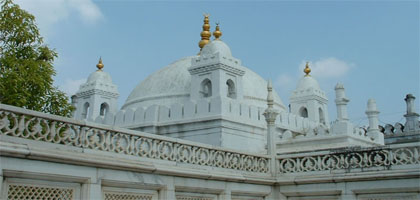 Aurangzeb's mosque in lucknow - Mythical India