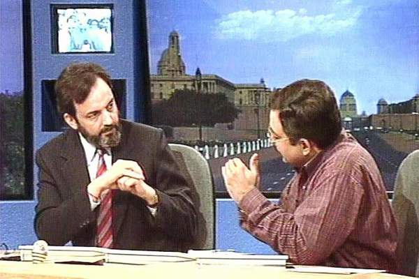 Prannoy Roy and Vinod Dua during elections analysis on DD News - Mythical India