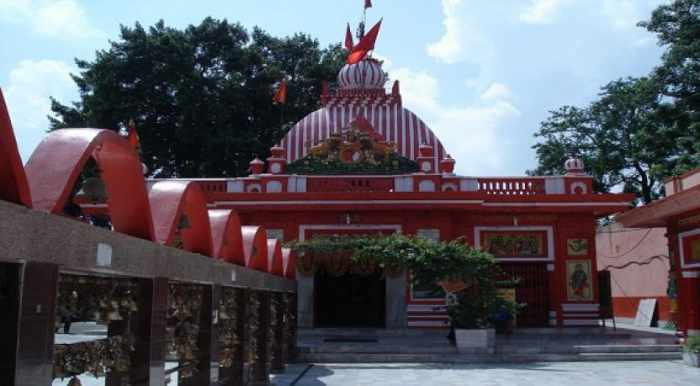 The famous Hanuman temple at Aliganj, Lucknow - Mythical India