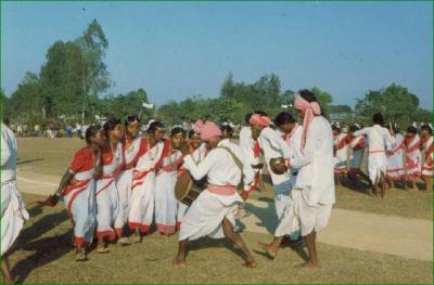 Jhumar Dance, folk dance forms of Assam - Mythical India