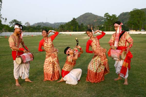Bihu Dance, folk dance forms of Assam - Mythical India