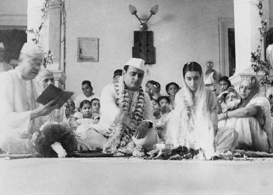 Feroze Gandhi married Indira Gandhi in 1942, Anand Bhawan in Allahabad - Mythical India