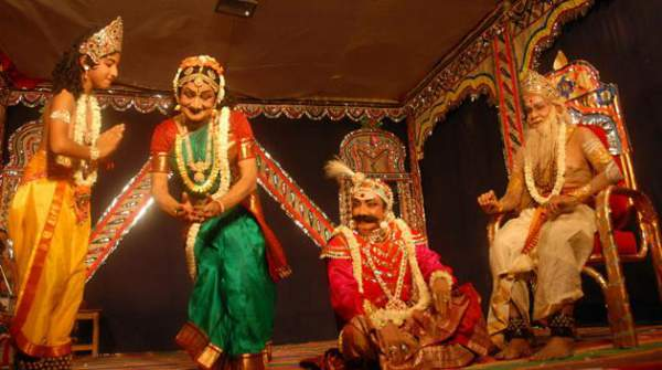 Tamil folk dance portraying life and glory of Lord Vishnu - Mythical India