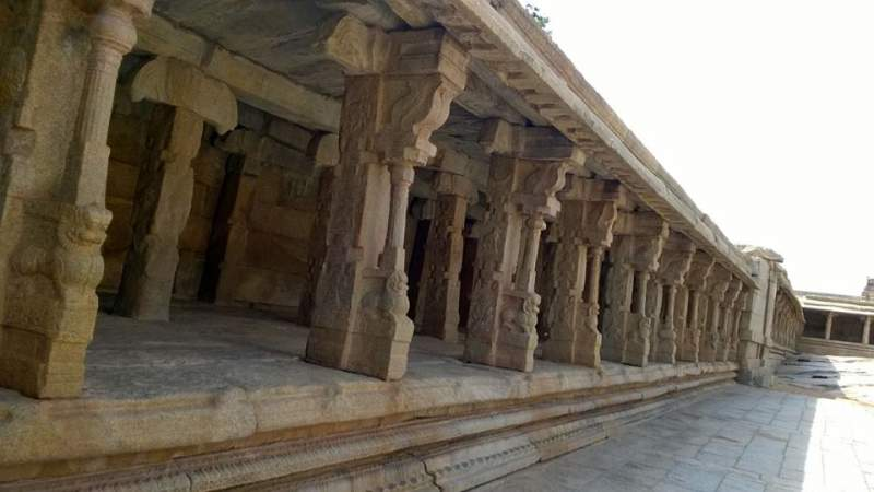 Pillars in the hall at Veerbhadhra swamy temple at Lepakshi - Mythical India