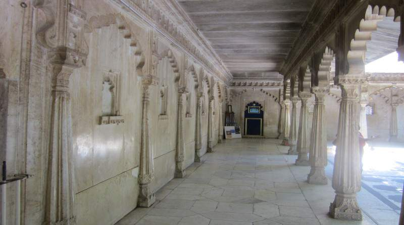Beautiful and picturesque Verandahs at City palace - Mythical India