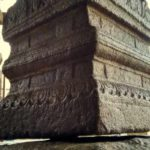 Hanging pillar at lepakshi temple - Mythical India