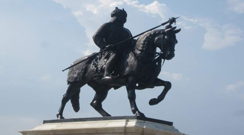 Maharana Pratap statue on Chetak at the top of Moti Mangri - Mythical India